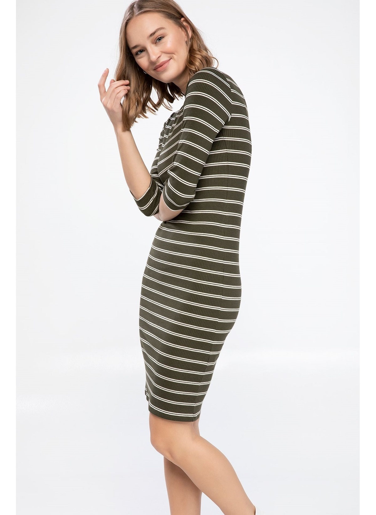 Defacto Yatay Çizgili Slim Fit Elbise K6751az19spkh211elbise – 69.99 TL